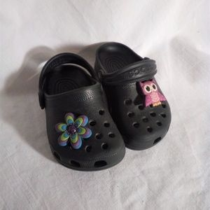 Crocks Classic Kids Clog Black  Size 4-5 EUC
